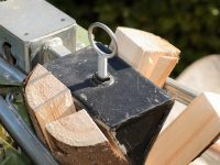 Best Log Splitter Under $1000 – 3 Gas Wood Splitter Reviews
