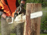 How to Use a Chainsaw Properly: 3 Risks and Rules to Be Aware of